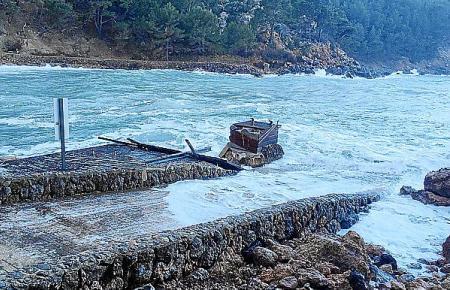 Der Zustand des Küstenbereichs in Sa Calobra lässt zu wünschen übrig.