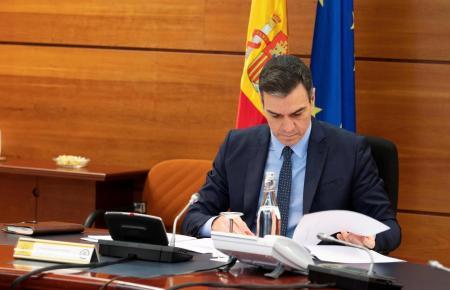 Ministerpräsident Pedro Sánchez will am Samstag verraten, wie es in Spanien weitergeht.