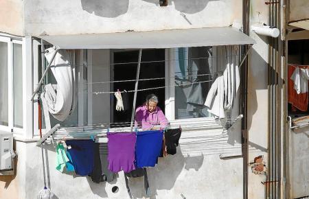 Auf Mallorca und den Nachbarinseln leben 43.600 Senioren über 65 allein.