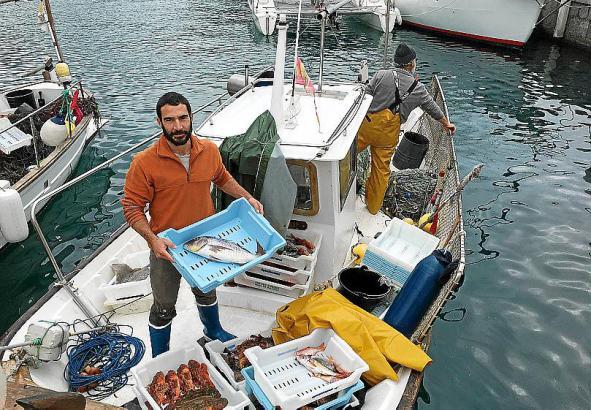 Direkt vom Boot an den Kunden – so läuft der Direktverkauf der Sóller-Fischer.