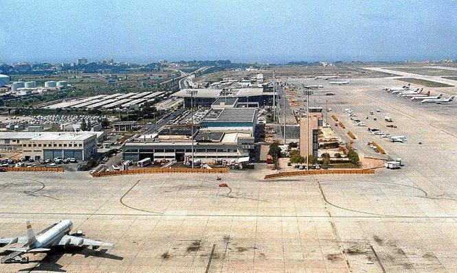 Luftaufnahme vom derzeit verwaisten Flughafen von Mallorca.