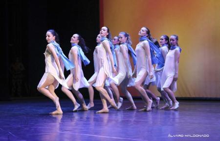Die Balletttruppe im Einsatz.