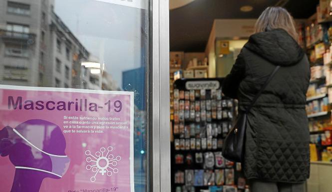 """Mit dem Codewort """"Mascarilla 19"""" können Frauen in Apotheken um Hilfe bitten."""