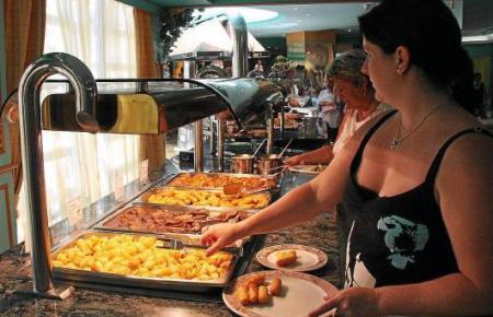 Essen am Büfett wird es mit den neuen Vorsorgemaßnahmen in Hotels vorerst nicht geben.