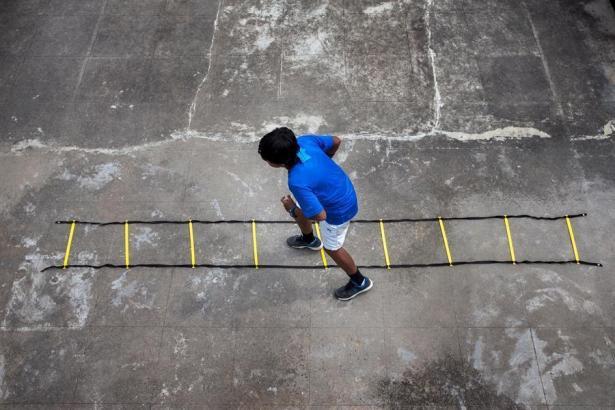 Ein Sportler trimmt sich fit.