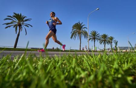 """Dieser Marathon-Teilnehmer hat sich """"freigelaufen"""" und keine Probleme mit irgendwelchen Abstandsregeln."""