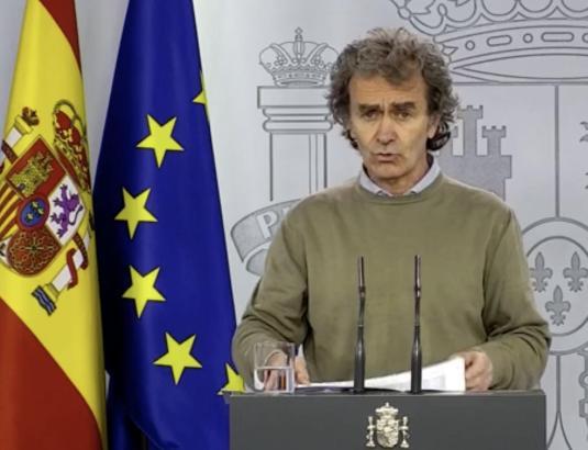 Der spanische Epidemiologe Fernando Simón auf einer Presskonferenz am Sonntag.