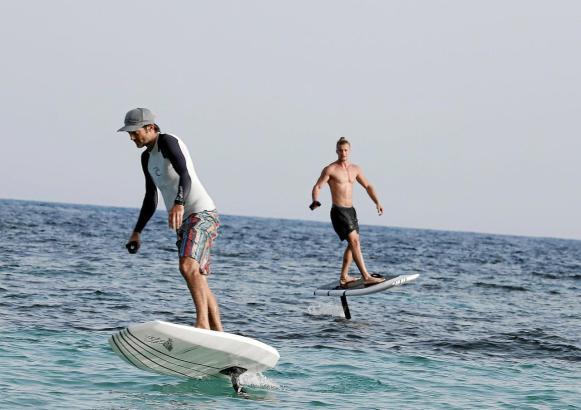 Wassersportler vor Mallorca.
