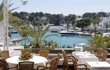 Restaurant mit Aussicht in Cala d'Or.