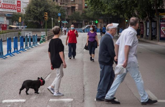 Spaziergänger in Palma de Mallorca.