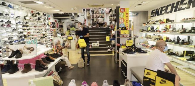 """Geschäfte mit maximal 400 Quadratmetern Fläche durften ab Montag, 11. Mai, erstmals wieder öffnen. Mallorca tritt offiziell in die """"Phase 1"""" der Corona-Auflockerungen ein."""
