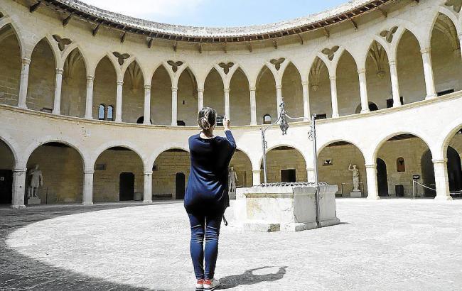 Nur wenige Besucher verirrten sich ins Schloss Bellver.