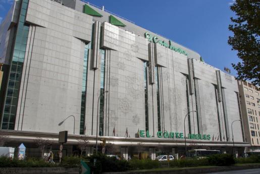 Die Kaufhäuser der spanischen Kette El Corte Inglés haben üblicherweise eine Angebotsfläche von mehr als 400 Quadratmetern. Um vorzeitig öffnen zu können, wurde umgebaut.
