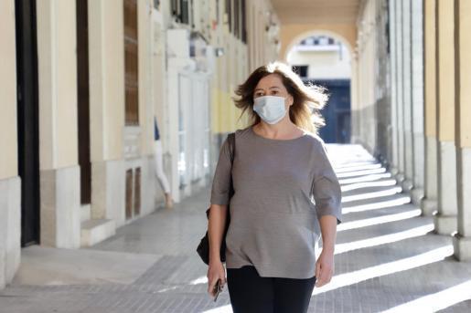 Balearen-Ministerpräsidentin Francina Armengol verteidigt die strikte Abschottung der Inseln, um als sicheres Reiseziel voranzugehen.