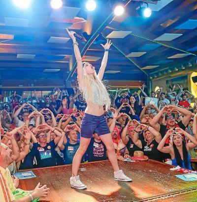 Party im Sommer in einem der vergangenen Jahre an der Playa de Palma.