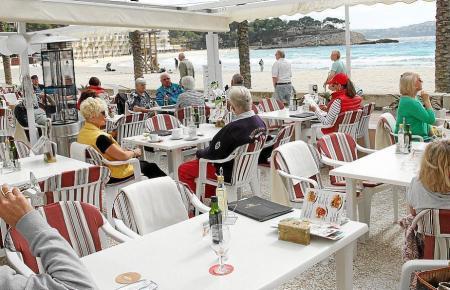 Restaurant-Terrasse in Peguera.