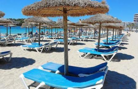 Der Strand von Magaluf gehört zu einem der 33 Strände in Calviá, für die die neuen Maßnahmen bereits beschlossen sind.