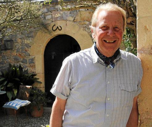 Gunter Greffenius in seinem Haus bei Artà.