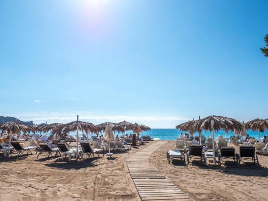 Ab Phase 2 dürfen auf den Balearen auch de Strände wieder zum Baden und Sonnenbaden öffnen.