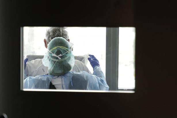 Klinikpersonal in Palmas Hospital Son Espases im Einsatz gegen das Coronavirus.