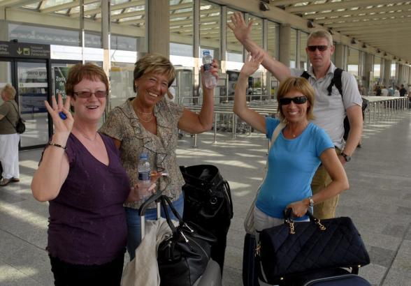 So wie auf diesem Archivbild sollen sich Touristen ab Juli wieder über ihren Urlaub auf Mallorca freuen können.