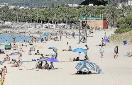 Große Freude auch auf Mallorca: die Strände dürfen, mit Sicherheitsabstand unter den Besuchern, wieder frequentiert werden.
