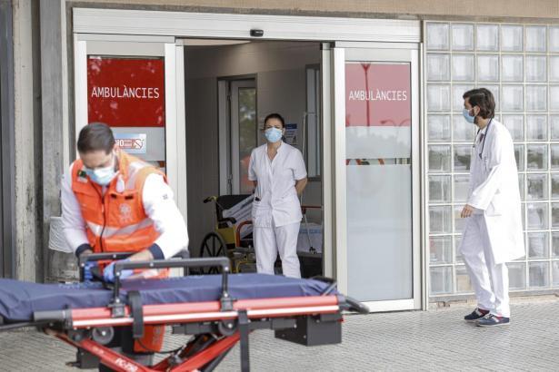 Auch viele Krankenhausmitarbeiter infizierten sich.