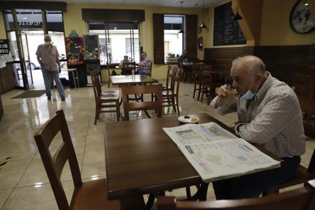 Der Innenbereich der Bar Venecia in Palma ist seit Montag wieder zugänglich.