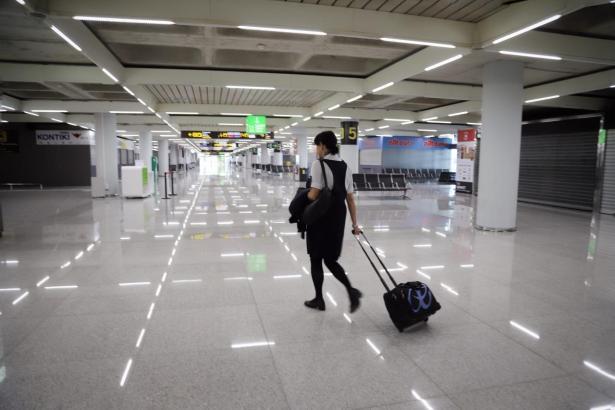 So leer sieht es momentan am Flughafen aus.