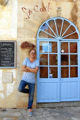 Auch Uwe Ochsenknecht genießt den Markt in Santanyi. Die Quarantäne verbrachte er auf Mallorca.