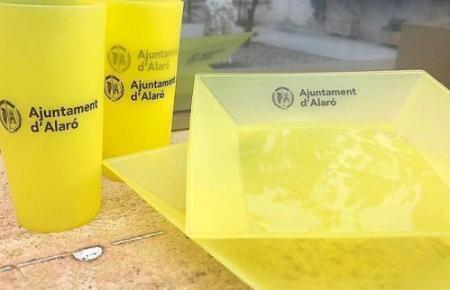 Alternative für Einwegplastik sind zumindest wiederverwendbare Kunststoffe wie sie das Rathaus von Alaró bereits bei Events einsetzt.