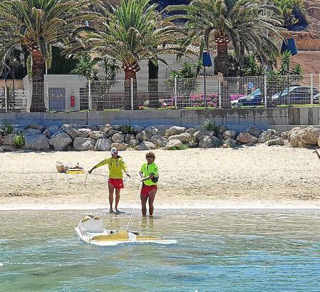 Rettungsschwimmer an einem zur Gemeinde Calvià gehörenden Strand.