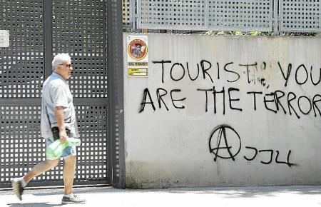 Schmierereien gegen Touristen, die in den vergangenen Jahren angebracht worden waren.