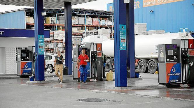 Die betroffene Tankstelle musste am Samstag erst mal schließen.