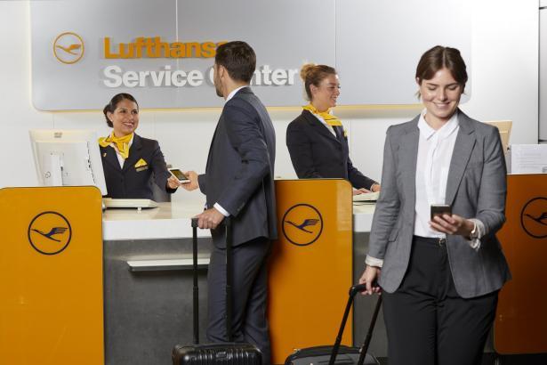 Die Lufthansa verspricht Kunden, sie auf jeden Fall nach Deutschland zurückzufliegen, sollte wegen der Corona-Pandemie am Zielort etwas schiefgehen.