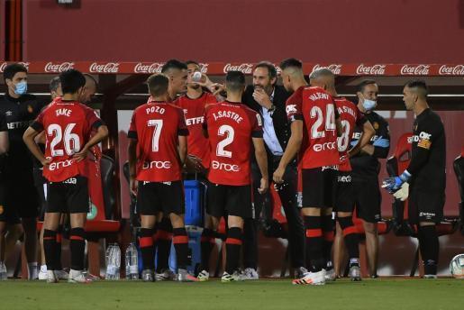 RCD-Mallorca-Trainer Vicente Moreno versuchte sein Team in der Pause auf Kurs zu bringen.