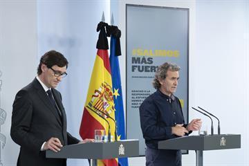 Gesundheitsminister Salvador Illa und der Corona-Beauftragte Fernando Simón.