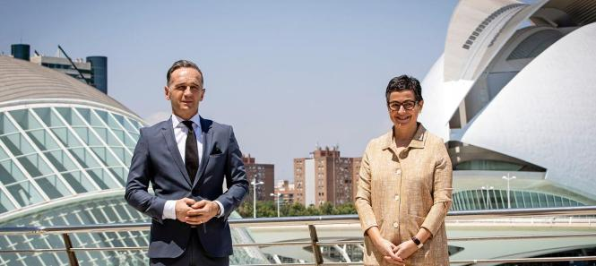 Heiko Maas mit seiner Kollegin Arancha González Laya in Valencia.
