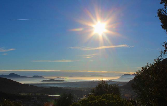 Wenn die Sonne brennt, ist man offenbar vor Ansteckung relativ gut geschützt.