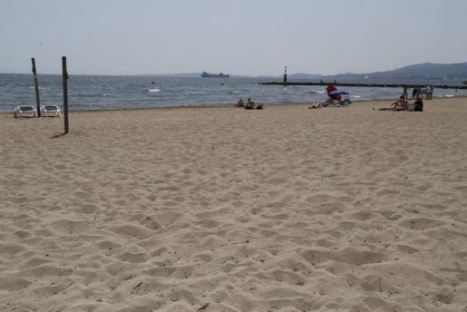 So leer ist die Playa Ciutat Jardí nicht immer.