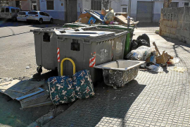 Badewanne auf Mallorca an Straße abgestellt – 3000 Euro Strafe