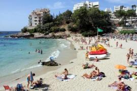 Wieder Strände in Calvià aus Sorge vor Überfüllung gesperrt