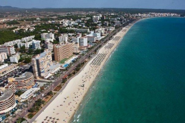 Auch Spanier sollen ohne Abstand und Masken an Playa gefeiert haben