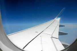 Der Blick auf den Flügel ist immerhin der Gleiche wie immer.