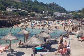 Cala Molins im Norden von Mallorca wegen zu vieler Besucher gesperrt