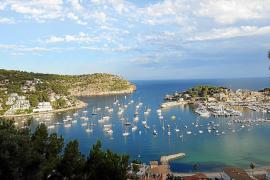 Die Bucht von Sóller auf Mallorca füllt sich mit Luxusyachten