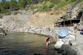 Parkplatz an der Cala Deià: Neue Installation gibt Auskunft über Auslastung