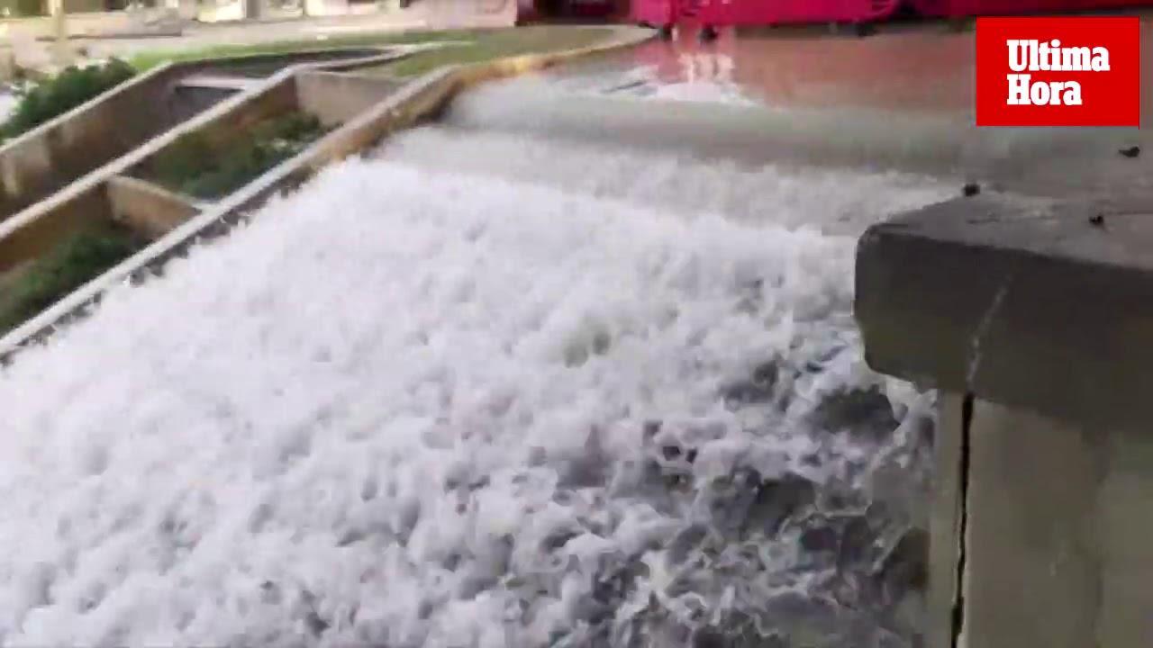 """Rohrbruch führt in Palma de Mallorca zu """"Wasserfall"""""""