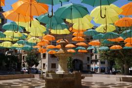 Wunderbar kreative Schirmkunst in Sóller