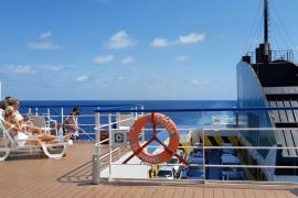 Auf dem Schiff von Mallorca zu den Nachbarinseln fahren